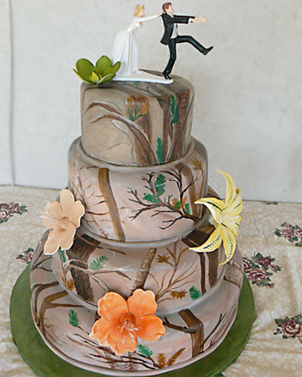 Wedding Cakes Camo  Camouflage Wedding Cake Ideas Wedding Cake Cake Ideas by