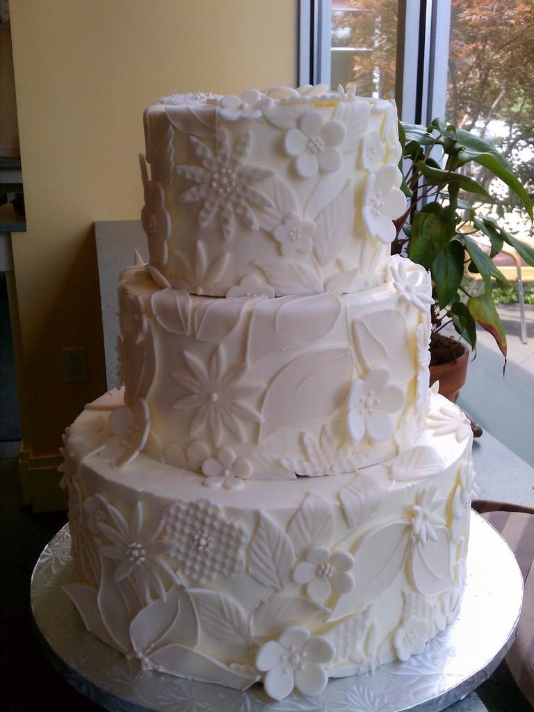 Wedding Cakes Charlottesville Va  Albemarle Baking pany Charlottesville VA