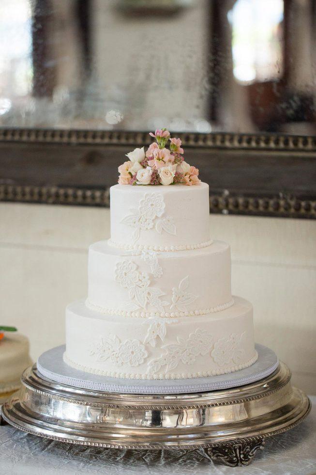 Wedding Cakes Charlottesville Va  Favorite Cakes Charlottesville Wedding graphers