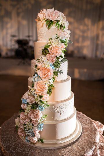 Wedding Cakes Chicago  Elysia Root Cakes Wedding Cake Chicago IL WeddingWire