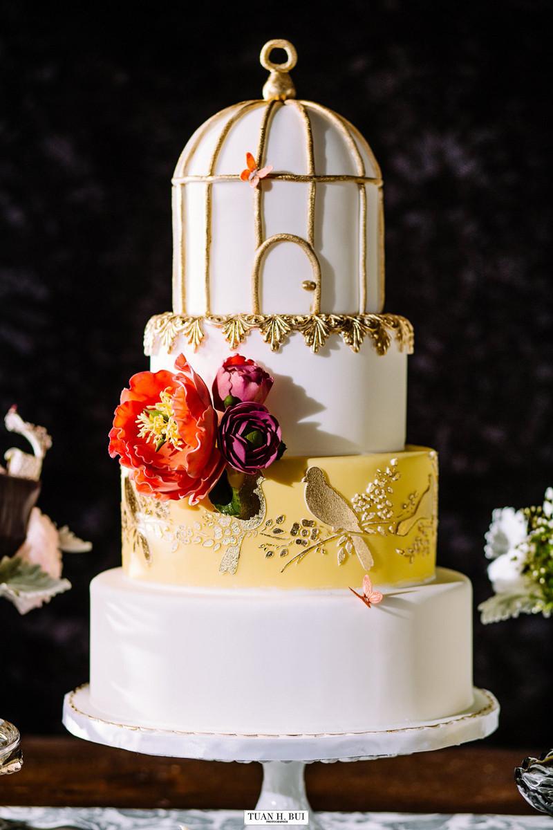 Wedding Cakes Chicago  Wedding & Bridal Cakes Elysia Root Cakes