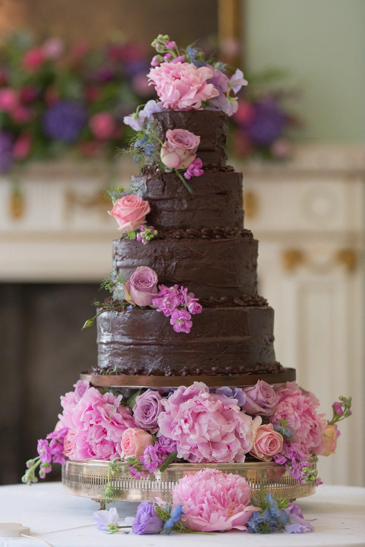 Wedding Cakes Chocolate  20 of the Yummiest Chocolate Wedding Cakes Chic Vintage