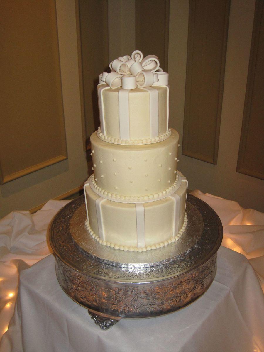 Wedding Cakes Cincinnati  Cotillion Events Wedding Cakes Cincinnati Oh CakeCentral