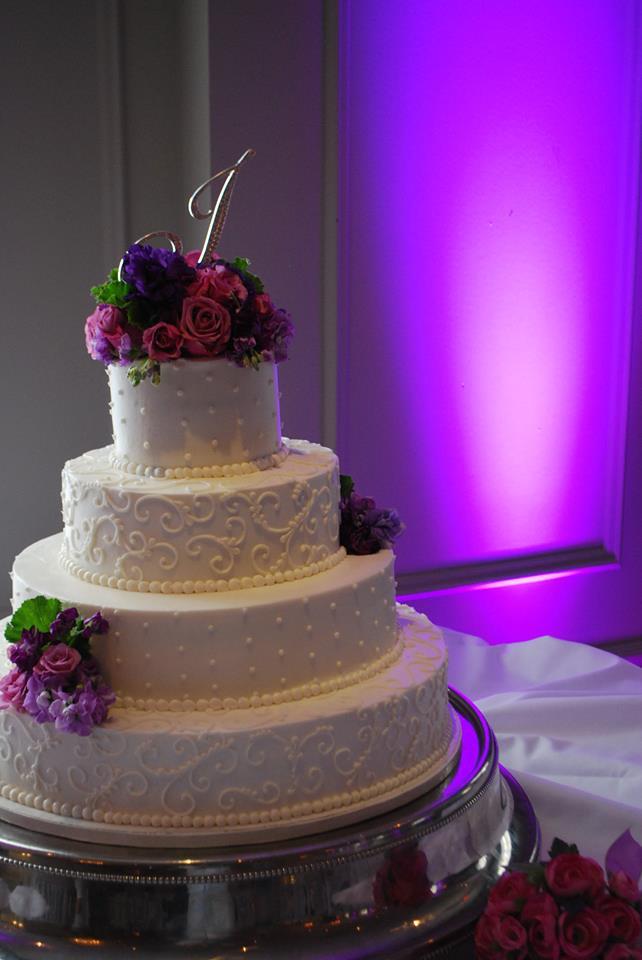 Wedding Cakes Cincinnati Ohio  Cincinnati wedding cake idea in 2017