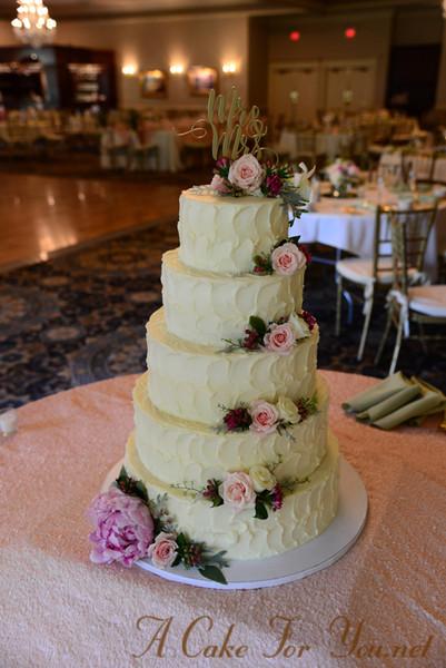 Wedding Cakes Cincinnati Ohio  A Cake for You Cincinnati OH Wedding Cake