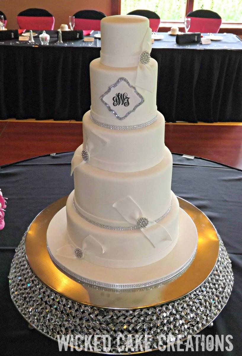 Wedding Cakes Cincinnati Ohio  Wicked Cake Creations s Wedding Cake Ohio