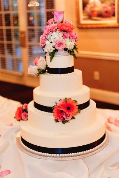 Wedding Cakes Cincinnati Ohio  A Spoon Fulla Sugar Cincinnati OH Wedding Cake