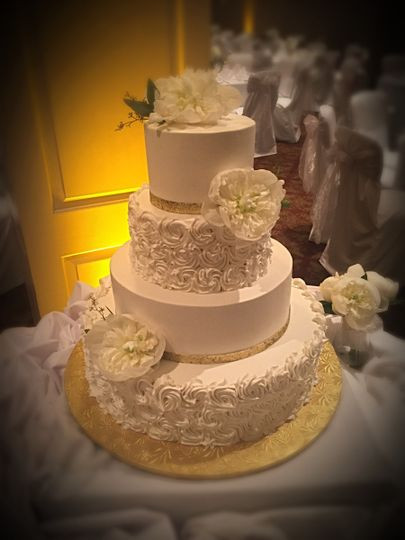 Wedding Cakes Cincinnati Ohio  Jeana s Great Cakes Wedding Cake Cincinnati OH
