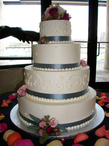 Wedding Cakes Cincinnati  A Spoon Fulla Sugar Cincinnati OH Wedding Cake