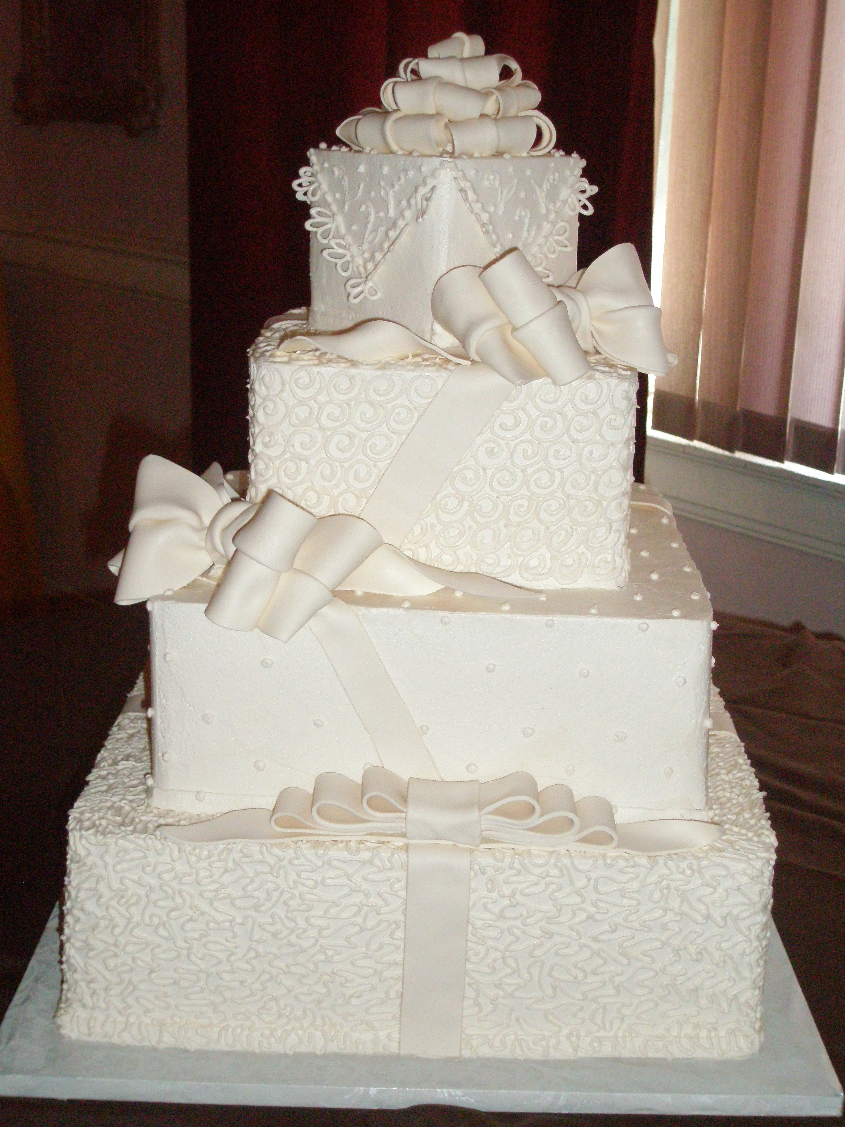Wedding Cakes Cleveland Ohio  Wel e to Cakes by Wanda Cleveland OH