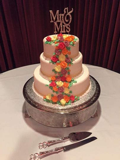 Wedding Cakes Cleveland Ohio  Colozza s Bakery Wedding Cake Parma OH WeddingWire