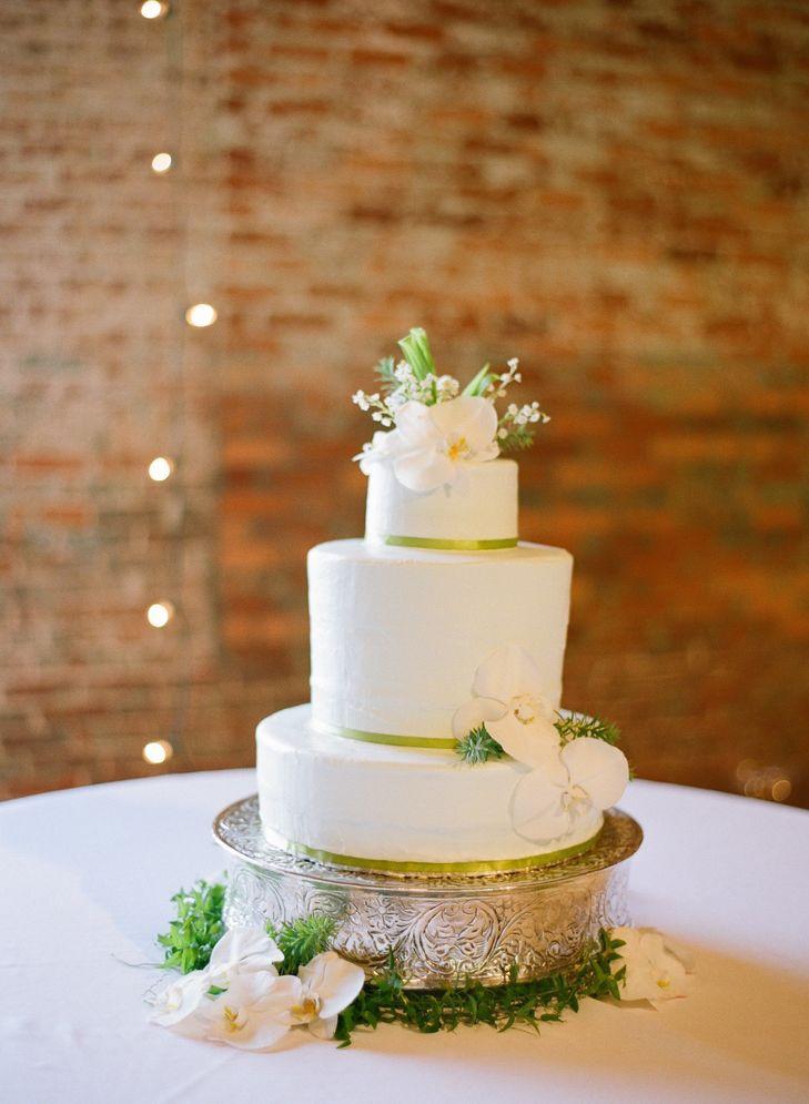 Wedding Cakes Columbus Ga  A RiverMill Event Centre Wedding in Columbus Georgia