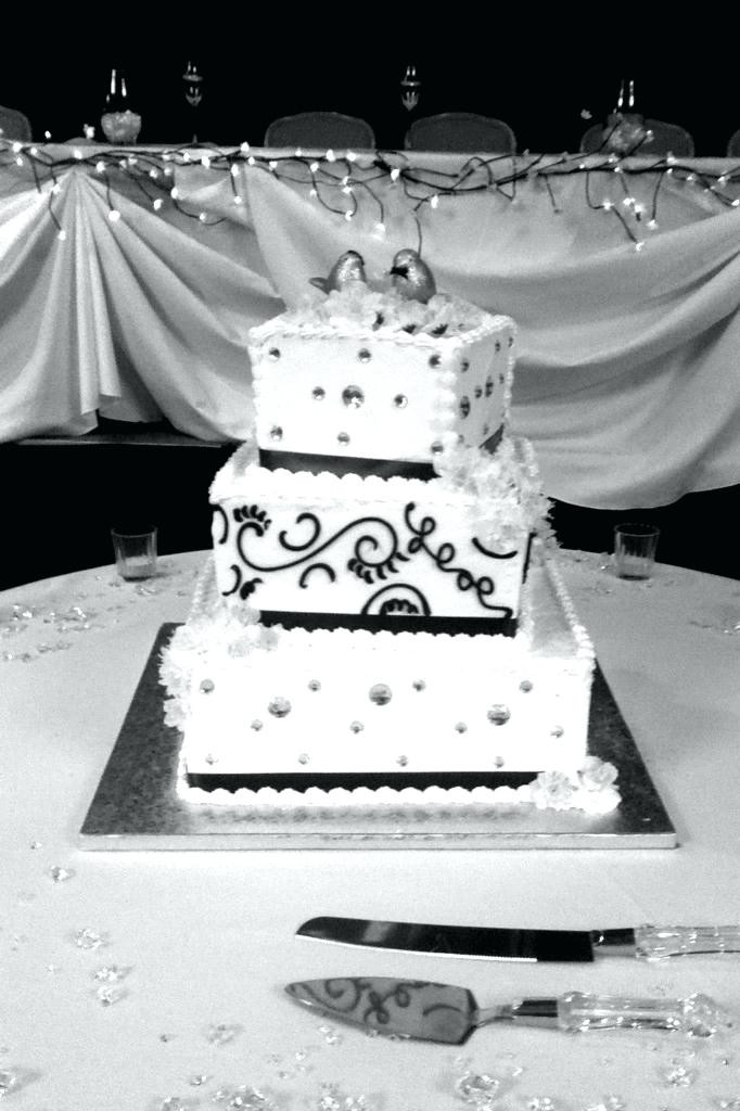 Wedding Cakes Cost  home improvement How much do wedding cakes cost Summer