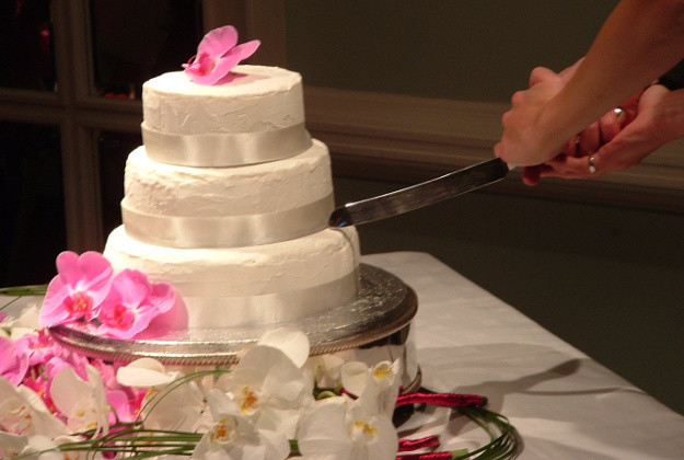 Wedding Cakes Cutting  Russian city bans cake cutting and dancing brides at weddings