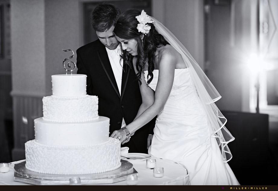 Wedding Cakes Cutting  Chicago Wedding grapher ♥ Miller Miller Chicago