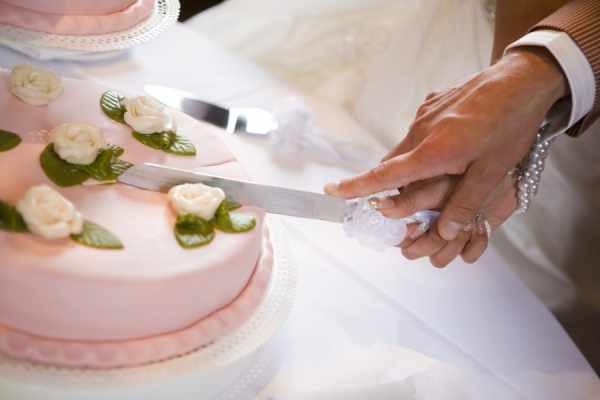 Wedding Cakes Cutting  Cutting The Wedding Cake A Tradition
