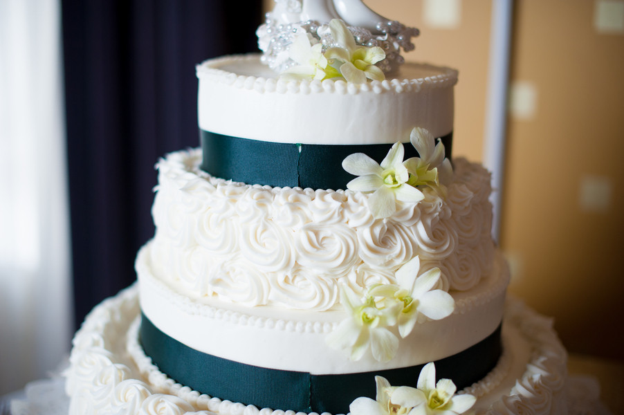 Wedding Cakes Dc  Classic Emerald Green Washington DC Wedding Reception
