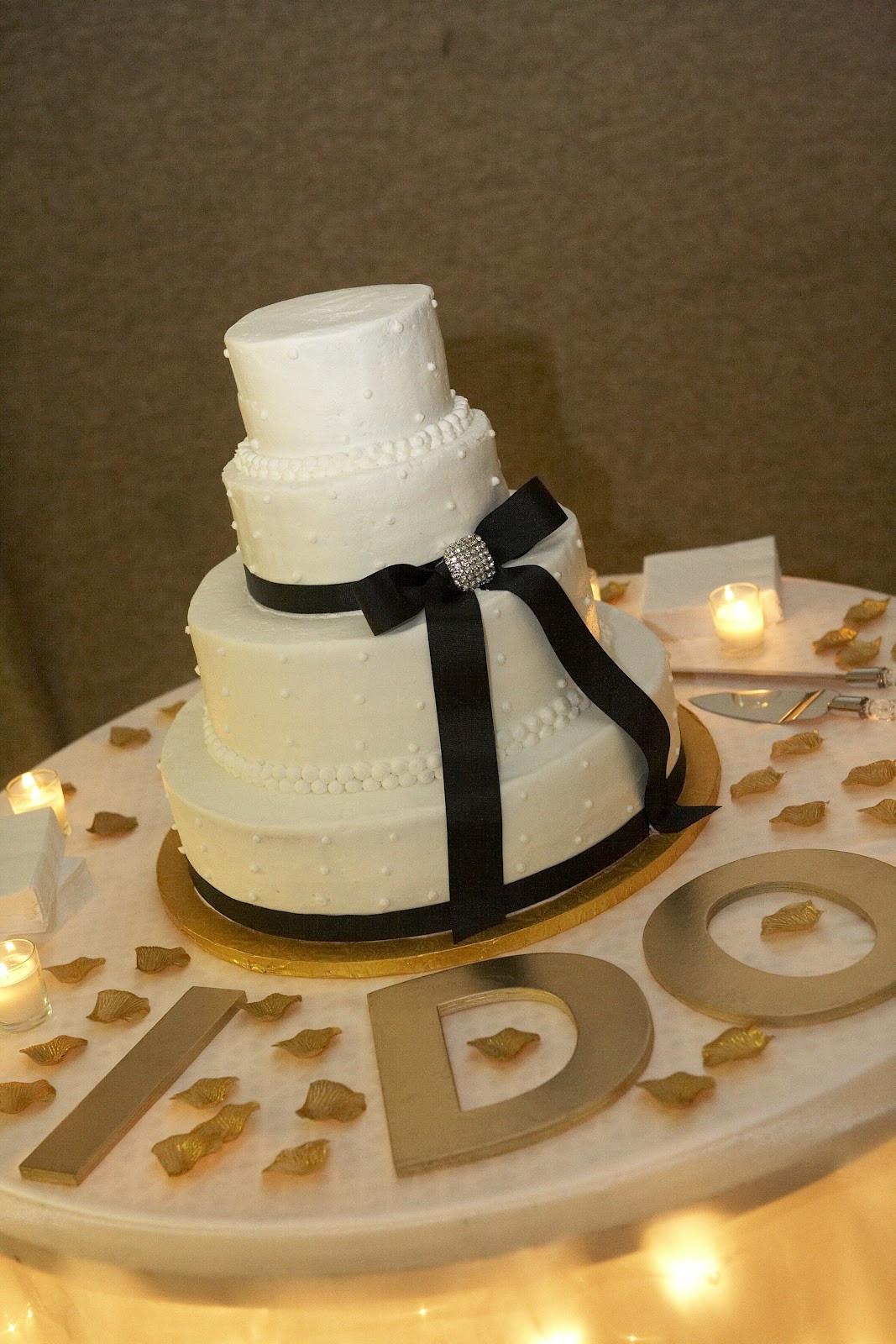 Wedding Cakes Decor  Unique Easy Wedding Cake Decorating Ideas With Wedding