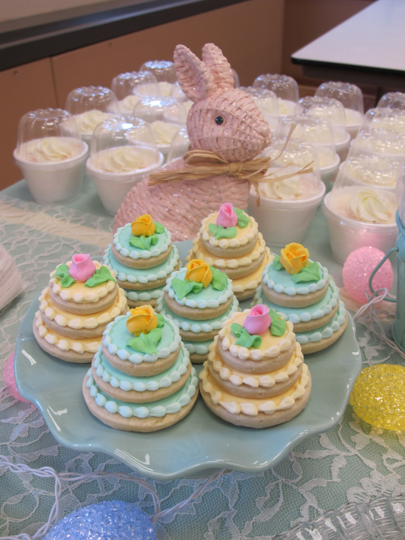 Wedding Cakes Decorated  Wedding Cake Decorated Sugar Cookies Mini Wedding Cake