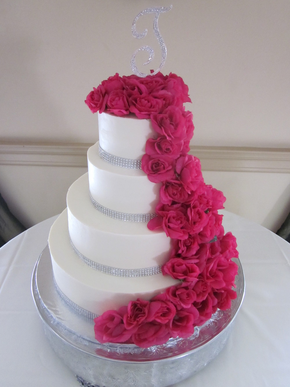 Wedding Cakes Delaware 20 Ideas for Cascading Roses with Rhinestones Wedding Cake