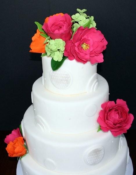 Wedding Cakes Des Moines  Roseland Bakery Wedding Cake Urbandale IA WeddingWire