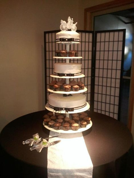 Wedding Cakes Des Moines  The Devilish Pig Bakery Best Wedding Cake in Des Moines