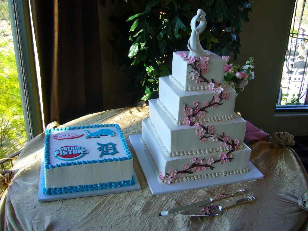 Wedding Cakes Detroit 20 Best Ideas Wedding Cake with A Detroit Twist My Tucson Wedding