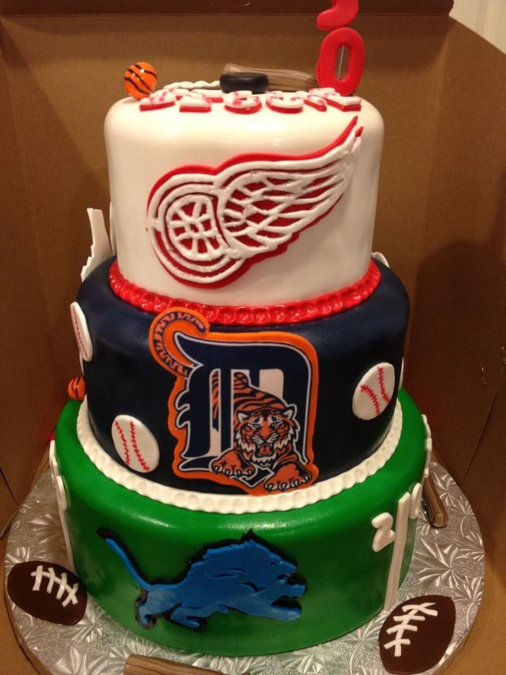 Wedding Cakes Detroit  Perfect wedding cake for the Ultimate Detroit Sports Fan