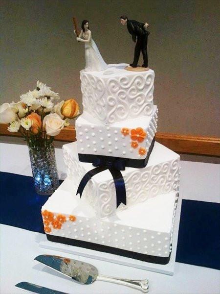 Wedding Cakes Detroit  Wedding Cakes Metro Detroit Wedding and Bridal Inspiration