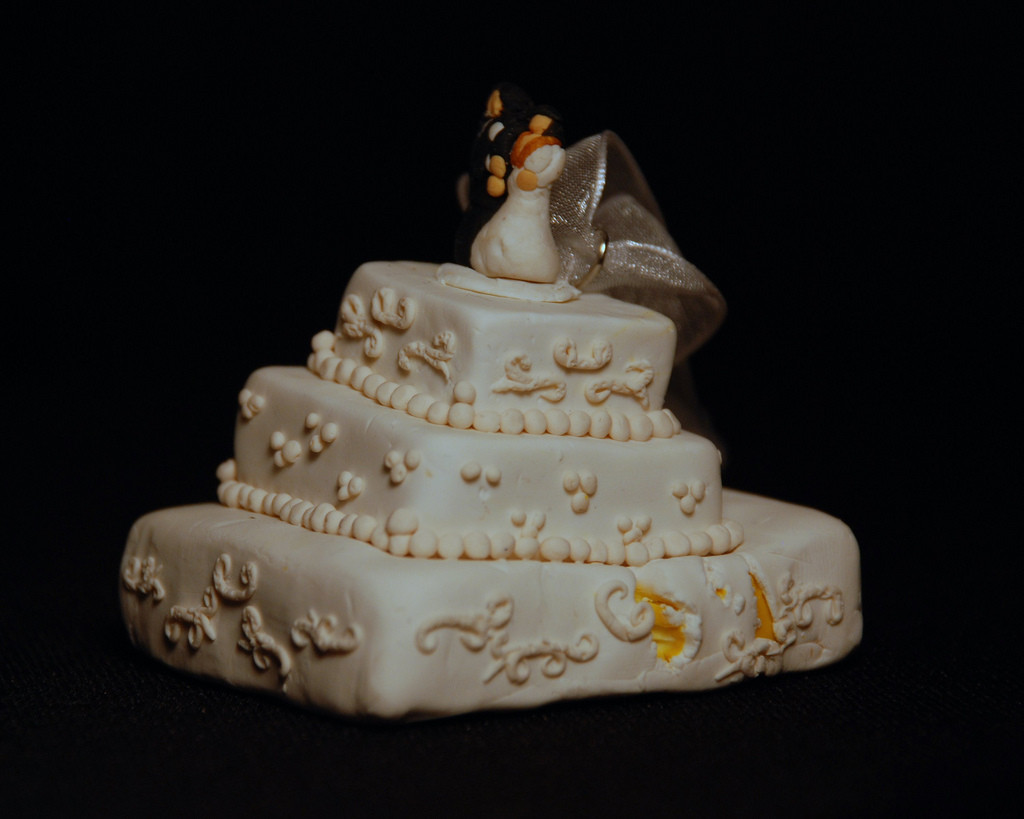 Wedding Cakes Disasters  Cake wreck ornament
