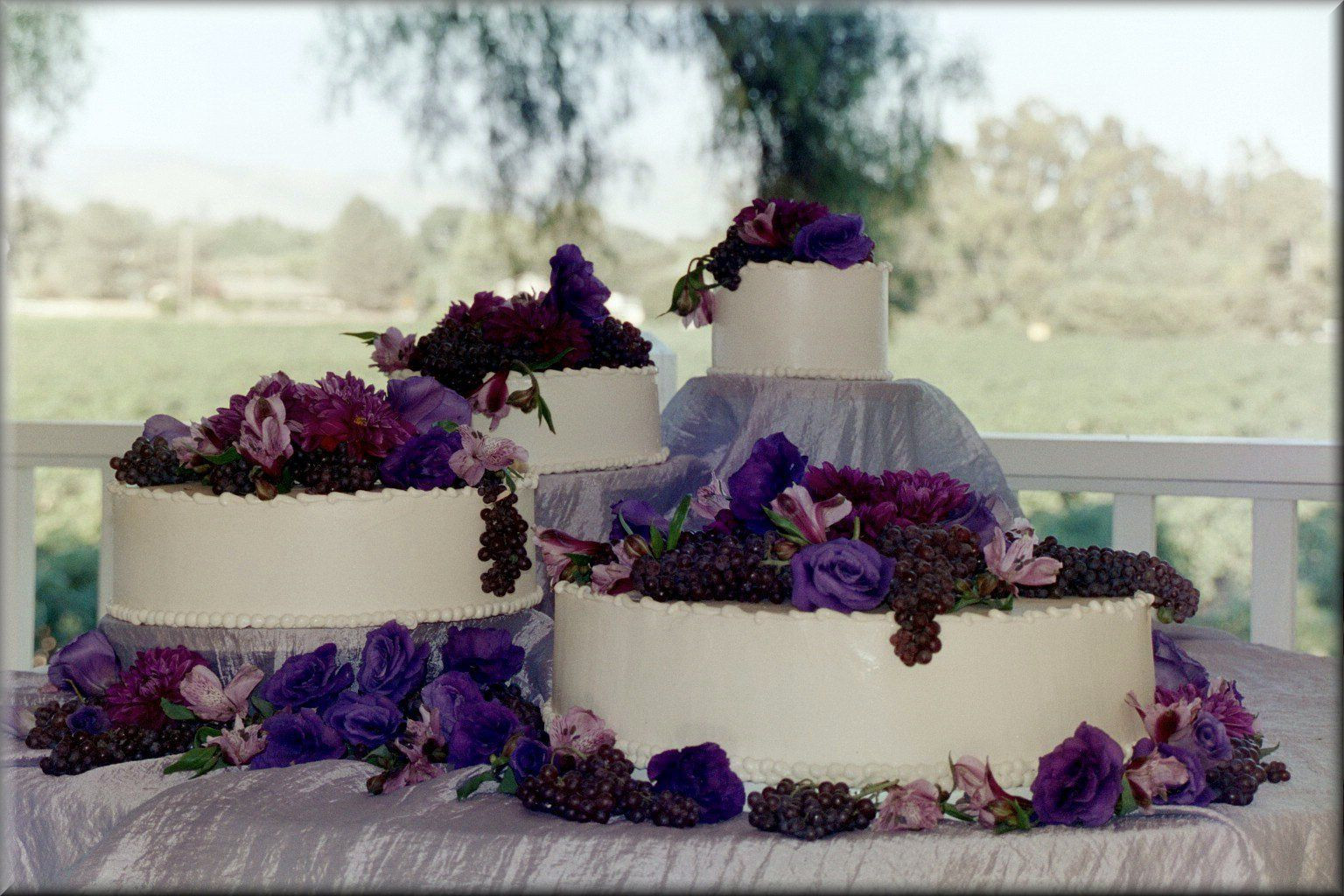 Wedding Cakes Display Ideas  Wedding Cake Display Ideas