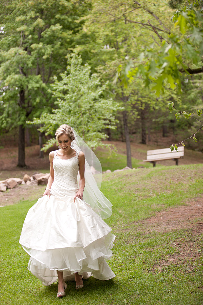 Wedding Cakes Eau Claire Wi  Florian Gardens Wedding Heidi and Johnathon — Lace Hanky