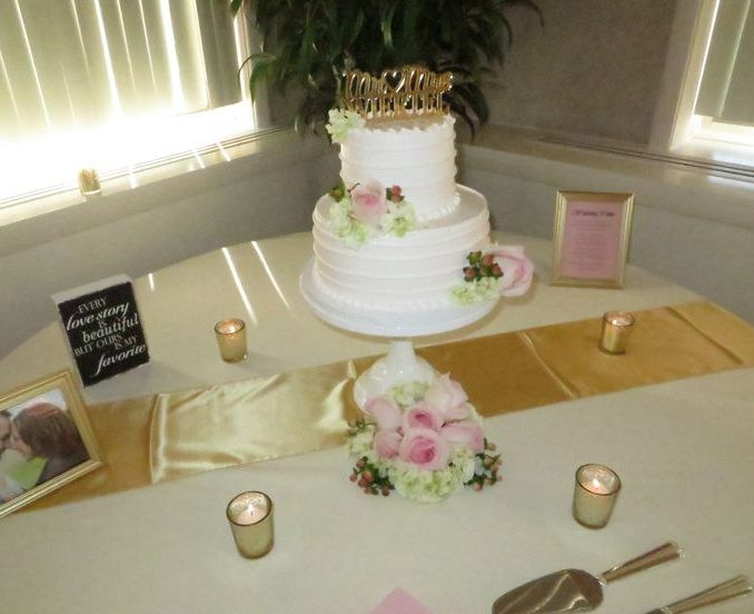 Wedding Cakes Erie Pa  Wendy Adams Cakes Erie Pa It Takes The Cake Erie Pa 219