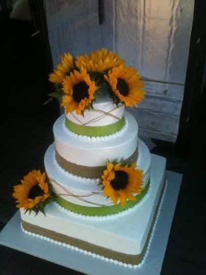 Wedding Cakes Eugene Oregon  Sweet Dreams Bakery Wedding Cake Veneta OR WeddingWire