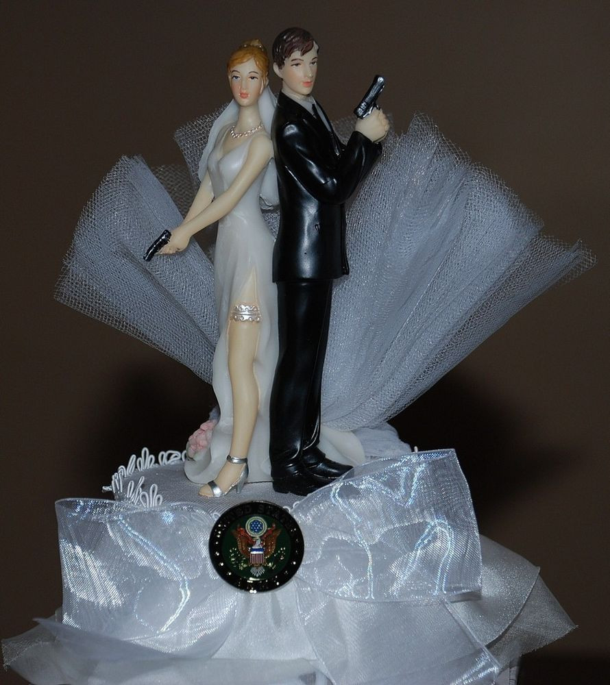 Wedding Cakes Figurines  Super y Army Bride and Groom with Gun Cute Funny