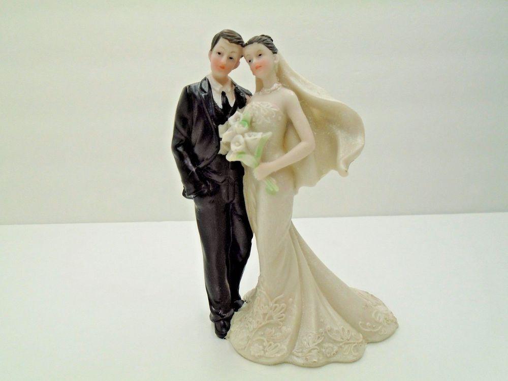 Wedding Cakes Figurines  Wedding Cake Topper Figurine Romantic Bride and Groom