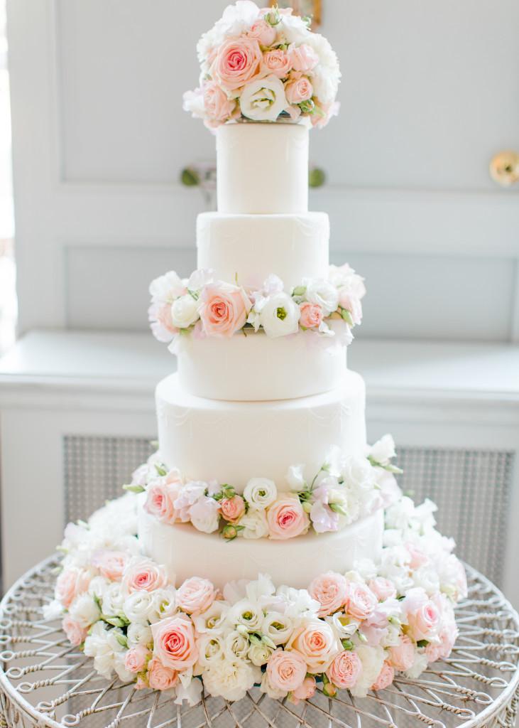 Wedding Cakes Flower  Gallery of Wedding Cakes Designer Handbag and Shoe Cakes