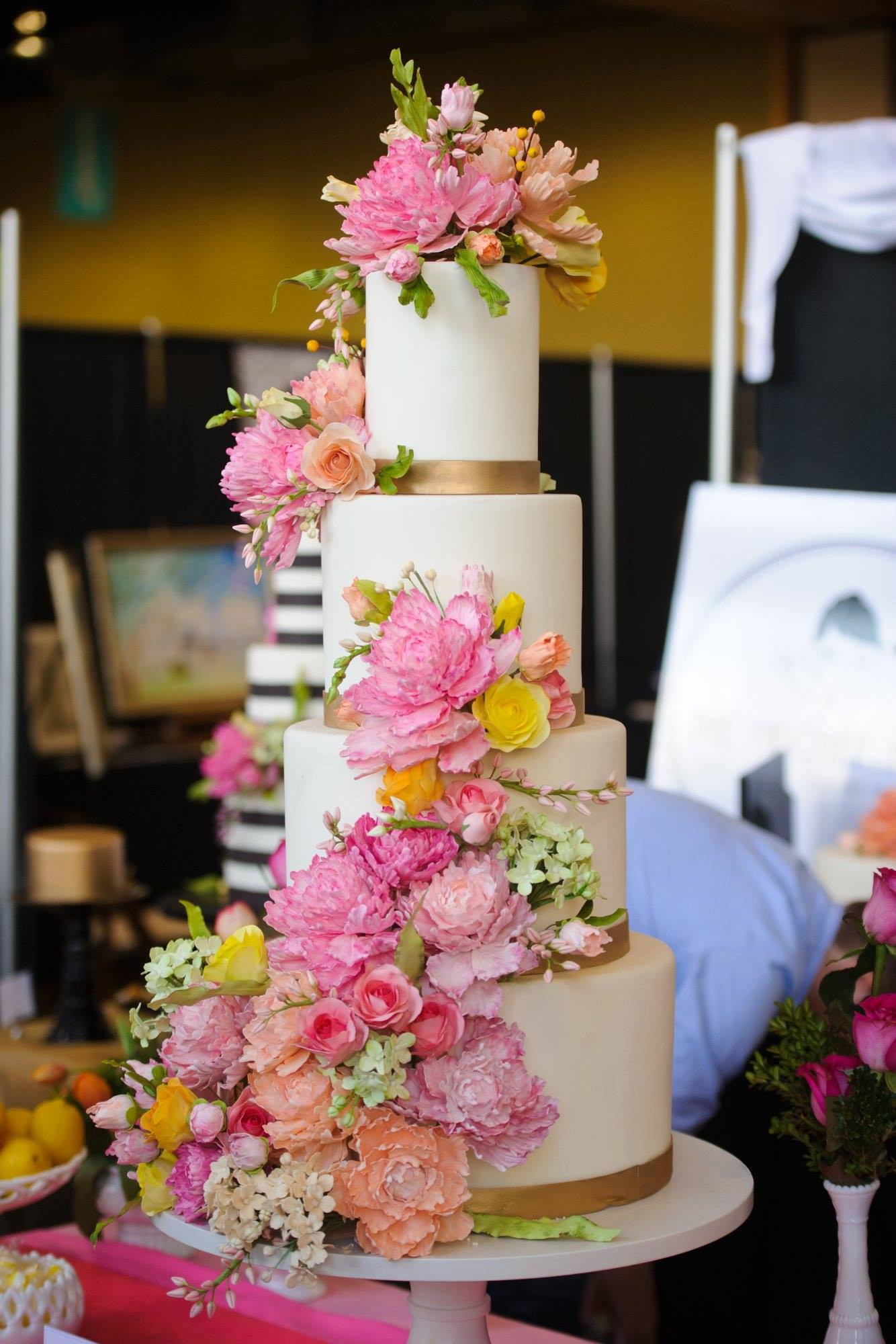 Wedding Cakes Flower  40 Wedding Cake Designs with Elaborate Fondant Flowers