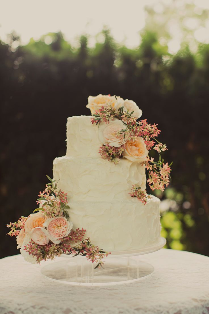 Wedding Cakes Flower  Classic floral wedding cake Vow day