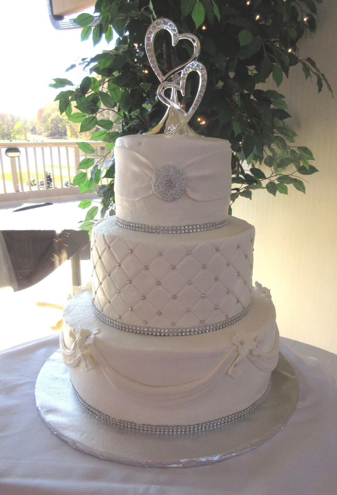 Wedding Cakes For 100 Guests  Wedding Cakes By Mary Ann Elegant Wedding Cake