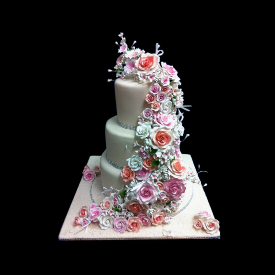 Wedding Cakes For 100 Guests  Wedding cake for 100 people idea in 2017