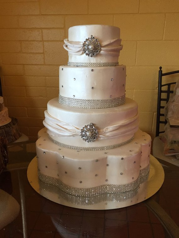 Wedding Cakes For 200 Guests  Faux wedding cake