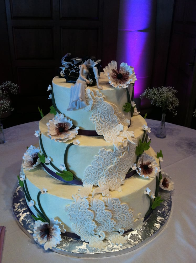 Wedding Cakes For 200 Guests  3 Tier Wedding cake for 200 people Yelp