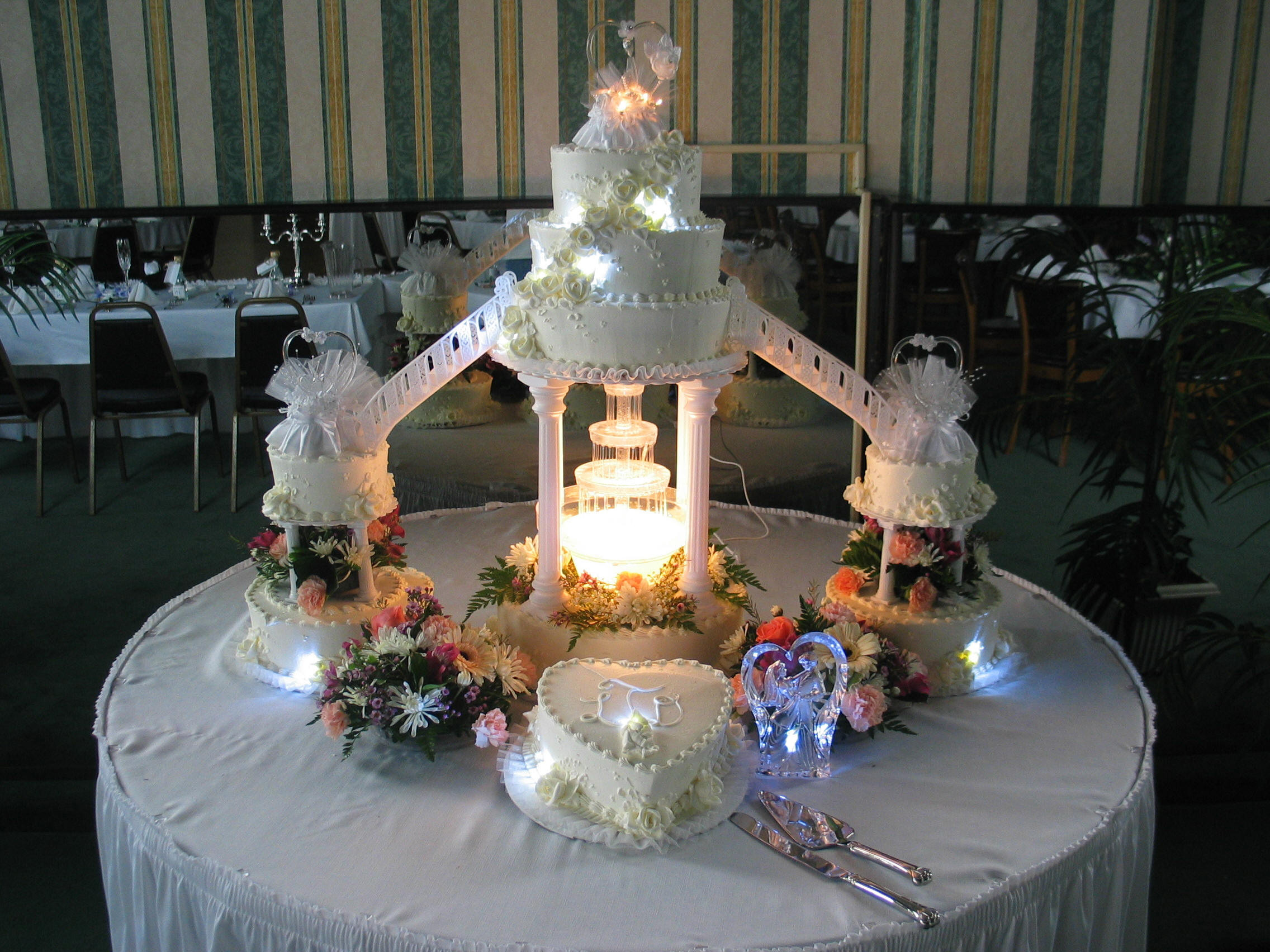 Wedding Cakes For Sale  Wedding cake fountains for sale idea in 2017