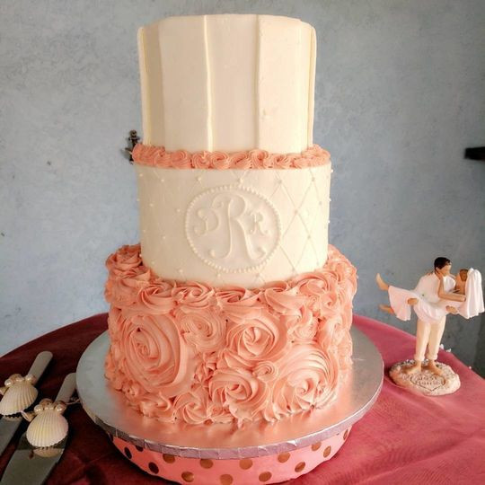 Wedding Cakes Fort Myers  Ellie Bee Bakery Wedding Cake Fort Myers FL WeddingWire