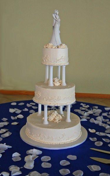 Wedding Cakes Fort Myers  Weddingcake3tierwhiterosepetalpillar9 Fort