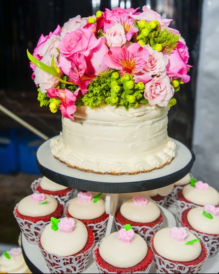 Wedding Cakes Fredericksburg Va  Sweet Reasons Wedding Cake Fredericksburg VA