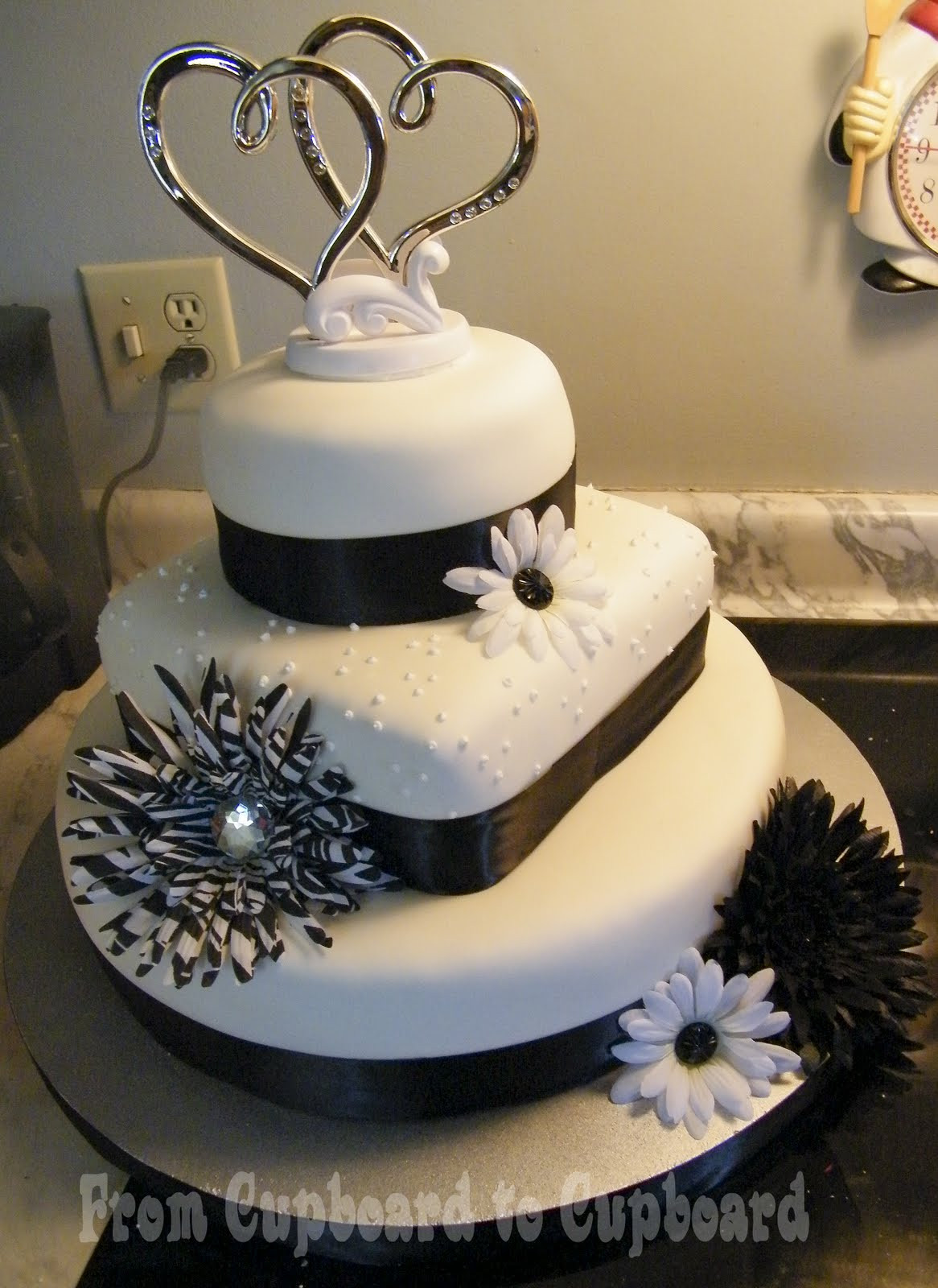 Wedding Cakes From Sam'S Club  Decorating Tips Hummingbird Bakery Videos & Tips