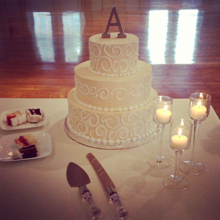 Wedding Cakes From Walmart  SHOW ME YOUR WALMART WEDDING CAKE Weddingbee