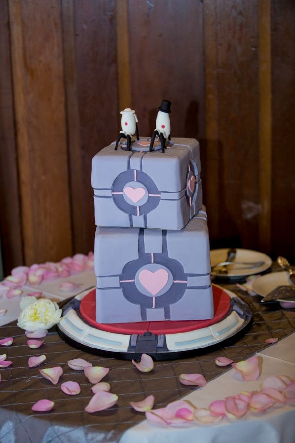 Wedding Cakes Games  Video Game Portal 2 Wedding Cake